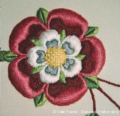 Both sides alike hand embroidery technique – the Tudor rose